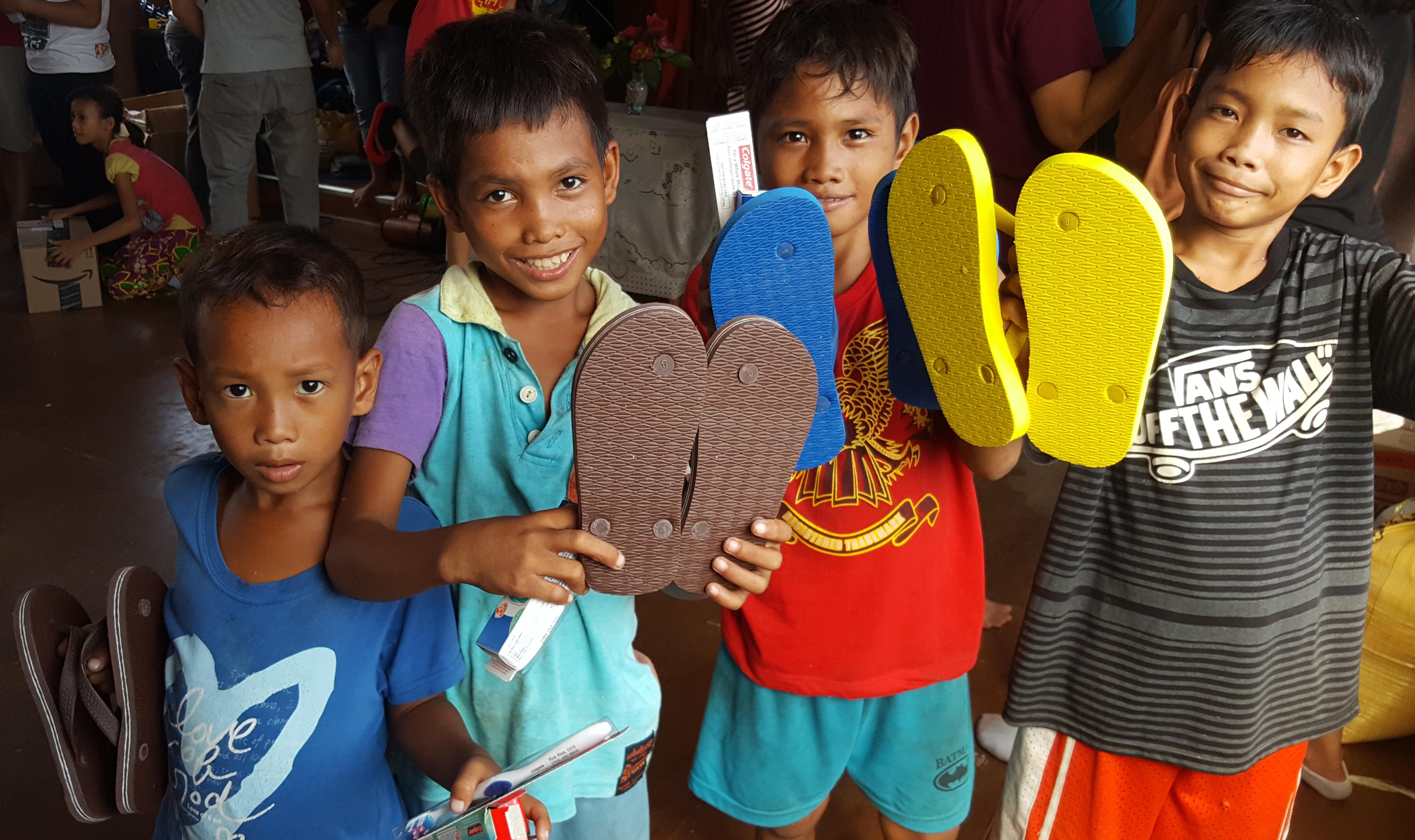 Flip flop distribution by IVCF Visayas to Badjao Community in Cebu, Philippines